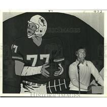 1985 Press Photo Miami Dolphins football player A.J. Duhe - nos12392