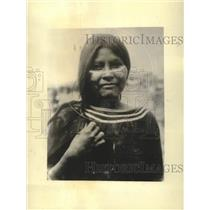 1934 Press Photo Young Seri Native American girl with face paint - mjc37534