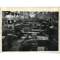 Press Photo Manufacturing floor at Watervliet Arsenal in New York - tua22832