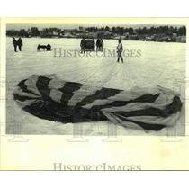1980 Press Photo Parachutist Debbi Camp in New York - tua21340