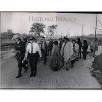 1971 Press Photo Robert Whitman Argonne Native American - RRU98393