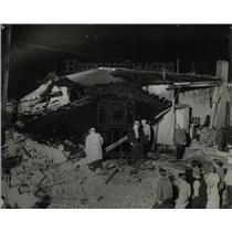 1932 Press Photo Bomb in Denver Grocery Store - RRX63139