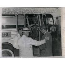 1962 Press Photo Men Boarding Freedom Bus North - RRX15861
