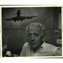 1986 Press Photo Former glider pilot Richard Lesnick in his Loudonville, NY home
