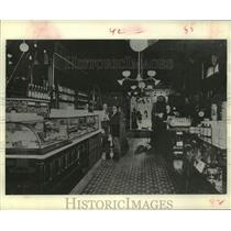 1901 Press Photo Tiny Drug Store Which Started Walgreens National Chain Pharmacy