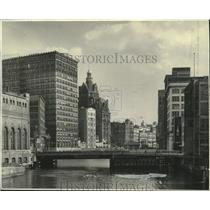 1941 Press Photo The Milwaukee River in the downtown section of Milwaukee
