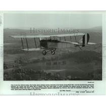 1987 Press Photo Curtiss Jenny airplane with pilot Ken Hyde - over Virginia