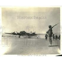 1942 Press Photo Seattle Washington-Avenger Plane starts to take off the runway