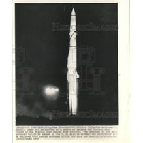 1958 Press Photo Redstone missile launched at Missile Test Center for the tests