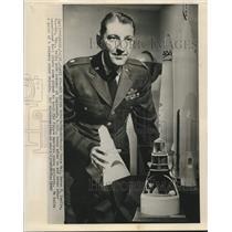 1962 Press Photo Test pilot Air Force Major Byron Knolle, space program trainee
