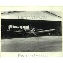 1985 Press Photo Crop-duster airplane in hanger at Goodway, Alabama - amra06753