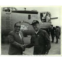 1991 Press Photo Dr. Frank Lugo and Bill Bryan with B-24 Bomber, Alabama