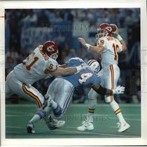 1994 Press Photo Chiefs Joe Montana leads team to AFC title shot - mjt05323