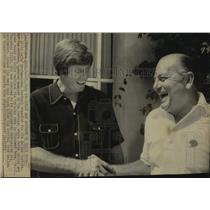 1973 Press Photo Dallas Cowboys Football Player & Manager Shake at Training Camp