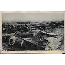 1945 Press Photo Okinawa airfield graveyard for Japanese planes - lrm01316