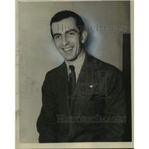 Press Photo Dutch Airline official Finn Moe smiles for his portrait - nos23045