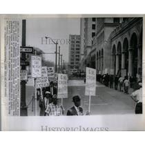 1964 Press Photo General Motors Civil Rights Picket - RRX11075