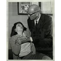1964 Press Photo Dean Jagger Patricia Hyland Mr. Novak - RRW08991
