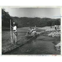 1963 Press Photo Tourists Raft Rio Grande River Jamaica - RRX83763