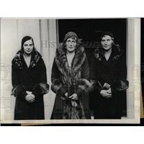 1930 Press Photo Queen Victoria Eugenia & Daughters - RRX63349