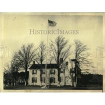 1900 Press Photo Tranquil White Colonial Club House - RRX62559