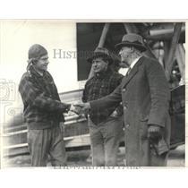 1900 Press Photo Captain Albert Edson Boston Airport - RRX85363