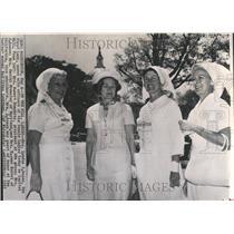 1985 Press Photo Officer Senate Ladies Organization Red - RRV49179