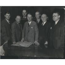 1934 Press Photo Daily News Editorial Staffs- RSA44569