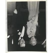 1933 Press Photo Actress Joan Blondell and George Sarnes - RSC31913