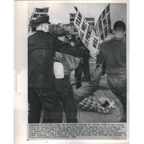 1964 Press Photo Int'l Typographical Union Picket - RRU80371