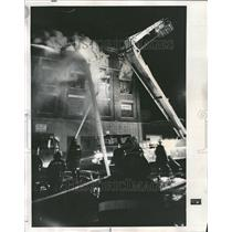 1975 Press Photo Chicago Fire Fighters Attack Fire - RRV77489
