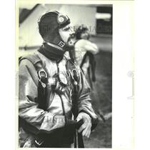 1983 Press Photo Tom Nelson Skydiver After Plane Jump - RRV64607
