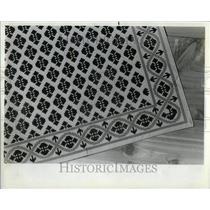1982 Press Photo Canvas floor mats - RRU92765