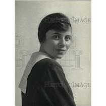 1917 Press Photo Fredman School Girl- RSA04795