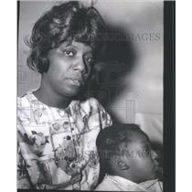 1966 Press Photo Mrs. Gladys Kyles with her son,2. Aid to Dependent Children