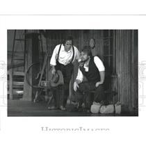 19666 Press Photo Migrant Martin Chris Owens Copland - RRW54705