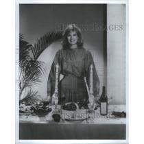 1982 Press Photo Laurie Burrows Grad hostess cooking segment Hour Magazine ABC