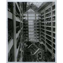 1989 Press Photo Embassy Suites Hotel Lombard Oak Brook - RRW24373