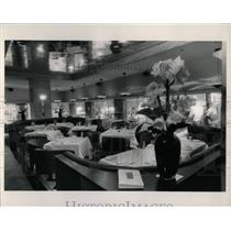 1988 Press Photo Hotel 21 Corner Rush Restaurant Mich - RRW68641