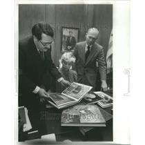 1980 Press Photo Chicago Public Library Book Donation - RRU74989