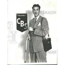 1936 Press Photo Robert Trout American News Reporter - RRV34349