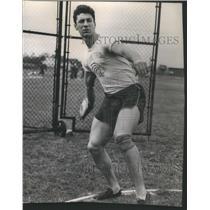 1946 Press Photo Jim Fuchs schools gander George Benigni Ralph Notre Dome