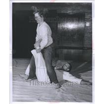 1957 Press Photo Atto Chanks Patricia Oliver Jim Jester - RRU11849