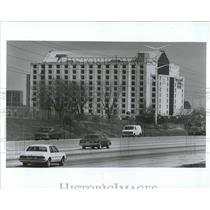 1989 Press Photo Embassy Suites Hotel - RRW54039