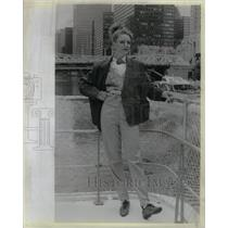 1985 Press Photo Ellen Designs Paisley Pin Plaid Jacket - RRX36037