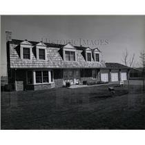 1978 Press Photo Enclave large family James March der - RRW04839