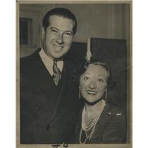 1933 Press Photo Irving Netcher Boston Store Drake Hotel Roszika Dolly Netcher