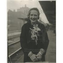 1931 Press Photo Actress Miller Standing Beside Railroad Tracks - RSC87591