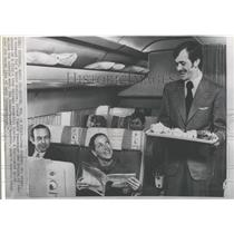 Press Photo Male Steward John Siefer On A Flight Servin- RSA05769
