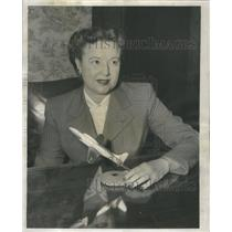 1953 Press Photo First Chicago Jet Plane Pilot Conel With Model Airplane